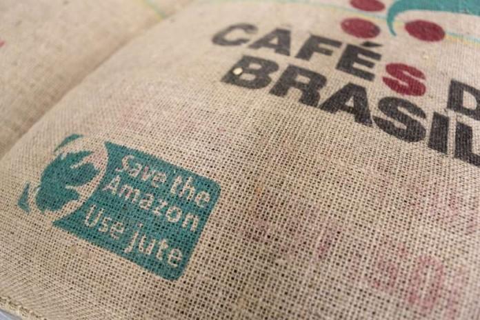 8ec4dac9c Reciclaje, una nueva vida para los sacos de café verde - Humania