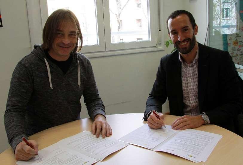 Firma acuerdo de colaboracin Murprotec y Caritas-nota