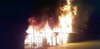 Arde el campo de refugiados de Moria